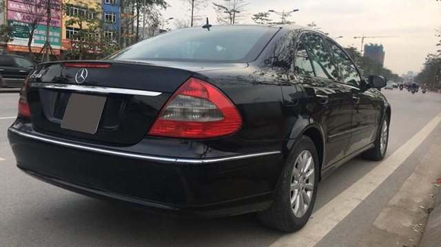 Từ 2 tỷ đồng, Mercedes-Benz E280 đời 2007 rao bán lại giá 500 triệu đồng