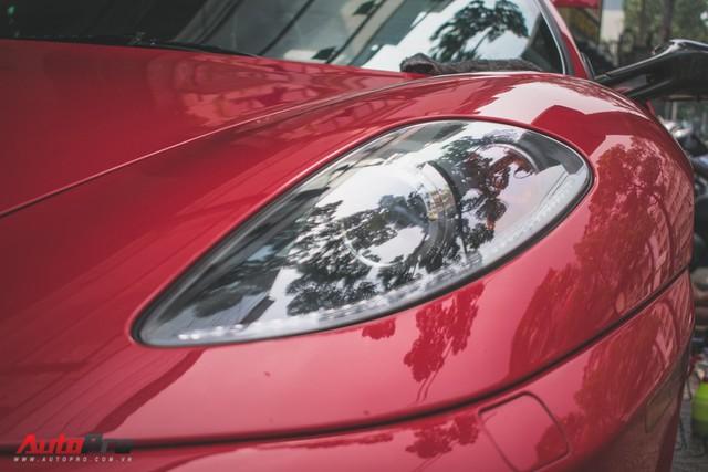 Hàng hiếm Ferrari F430 Spider tháo bánh lau chùi trên vỉa hè Sài Gòn - Ảnh 7.
