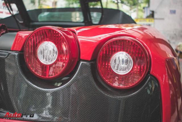 Hàng hiếm Ferrari F430 Spider tháo bánh lau chùi trên vỉa hè Sài Gòn - Ảnh 10.