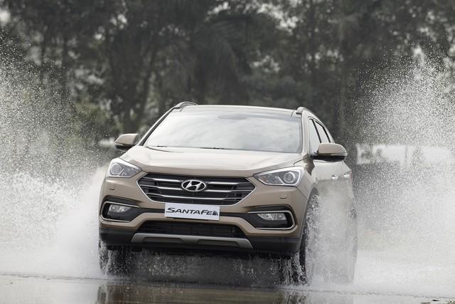 SUV 7 chỗ, chọn Honda CR-V 2018 hay Hyundai Santa Fe 2017? - Ảnh 13.