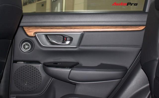 SUV 7 chỗ, chọn Honda CR-V 2018 hay Hyundai Santa Fe 2017? - Ảnh 23.