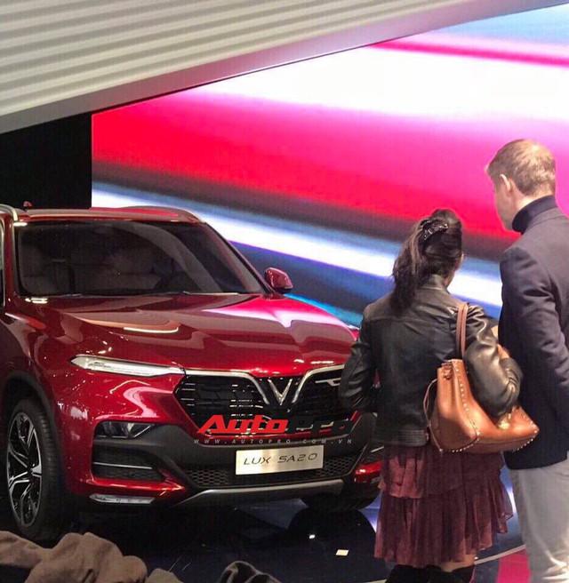 VinFast gấp rút chuẩn bị sân khấu đầy bí ẩn cho màn ra mắt lịch sử tại Paris Motor Show 2018 - Ảnh 4.