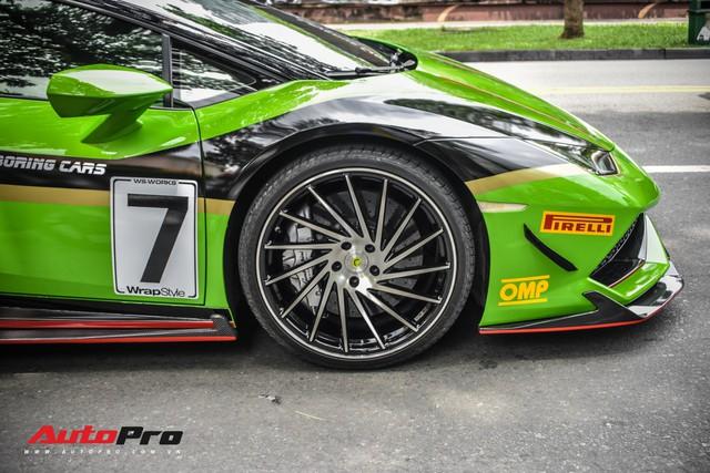 Lamborghini Huracan khoác decal phong cách trường đua GT3 EVO tại Sài Gòn - Ảnh 4.