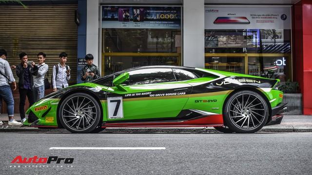 Lamborghini Huracan khoác decal phong cách trường đua GT3 EVO tại Sài Gòn - Ảnh 1.