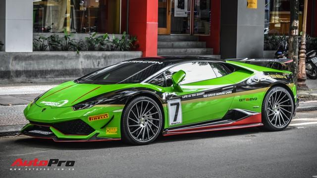 Lamborghini Huracan khoác decal phong cách trường đua GT3 EVO tại Sài Gòn - Ảnh 2.