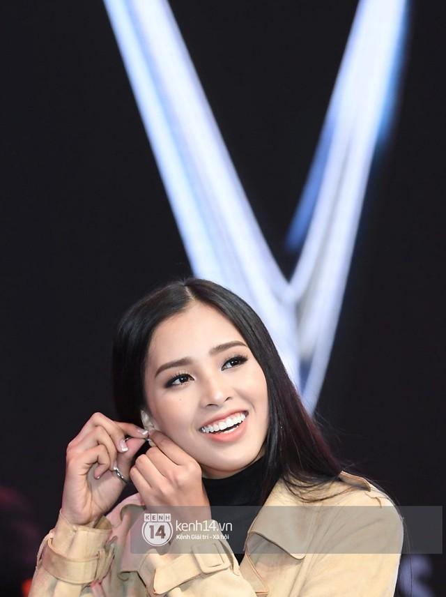 Hoa hậu Tiểu Vy khoe nhan sắc rạng rỡ, tất bật tập luyện cho sự kiện ra mắt ô tô VINFAST tại Paris - Ảnh 3.
