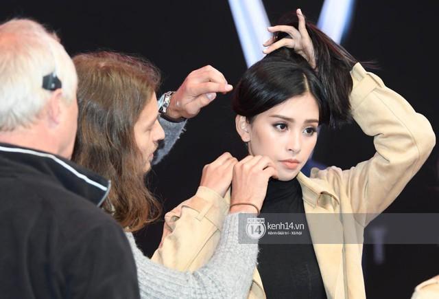 Hoa hậu Tiểu Vy khoe nhan sắc rạng rỡ, tất bật tập luyện cho sự kiện ra mắt ô tô VINFAST tại Paris - Ảnh 6.