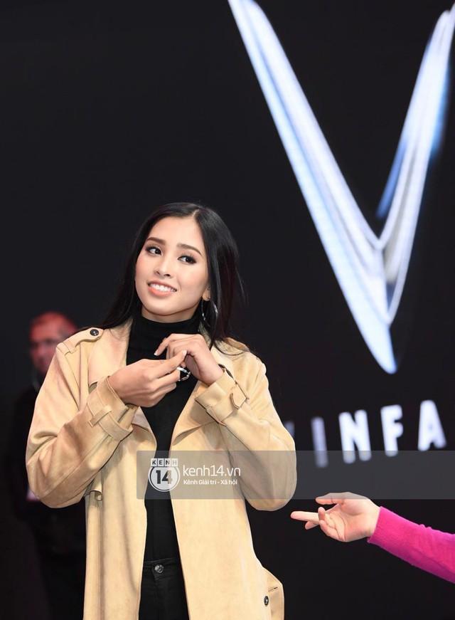 Hoa hậu Tiểu Vy khoe nhan sắc rạng rỡ, tất bật tập luyện cho sự kiện ra mắt ô tô VINFAST tại Paris - Ảnh 8.