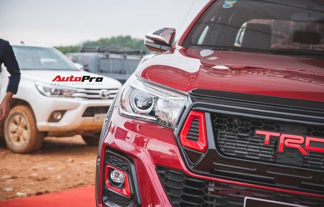 Soi kĩ Toyota Hilux TRD Sportivo 2018 lần đầu tiên ra mắt tại Việt Nam - Ảnh 5.