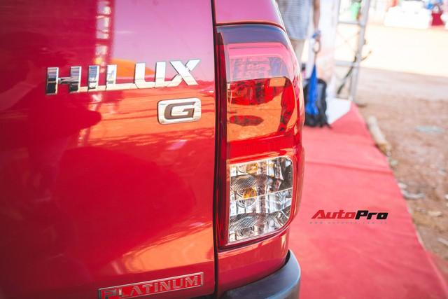 Soi kĩ Toyota Hilux TRD Sportivo 2018 lần đầu tiên ra mắt tại Việt Nam - Ảnh 12.