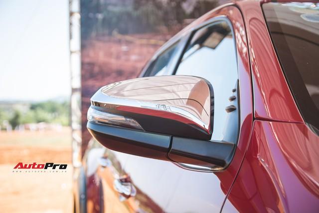 Soi kĩ Toyota Hilux TRD Sportivo 2018 lần đầu tiên ra mắt tại Việt Nam - Ảnh 7.
