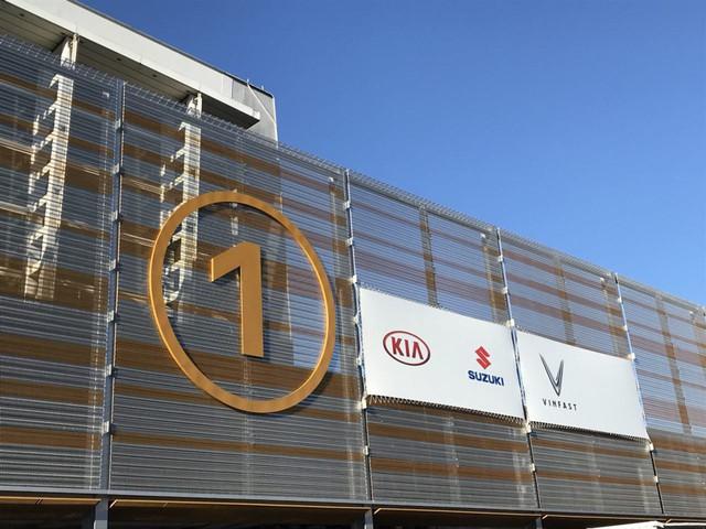 VinFast gấp rút chuẩn bị sân khấu đầy bí ẩn cho màn ra mắt lịch sử tại Paris Motor Show 2018 - Ảnh 7.