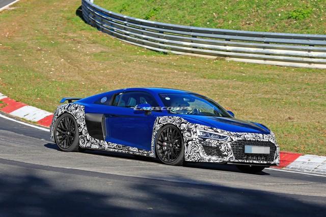 Audi R8 facelift xuất hiện lần đầu tại Nurburgring - Ảnh 1.
