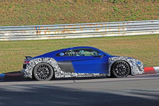 Audi R8 facelift xuất hiện lần đầu tại Nurburgring - Ảnh 4.