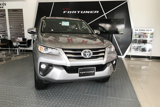 Ford Everest và Hyundai Santa Fe - Hai thế lực mới đe dọa ngôi vua doanh số của Toyota Fortuner tại Việt Nam - Ảnh 3.