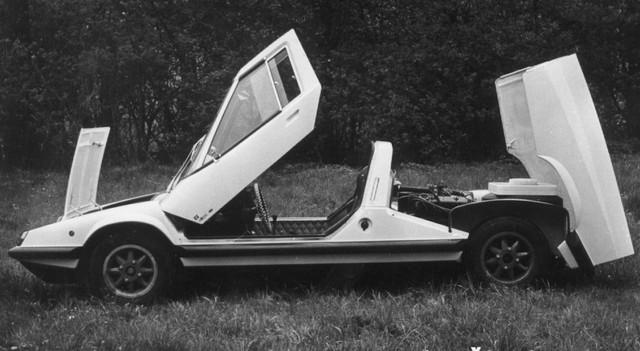 Ít ai biết rằng khối xã hội chủ nghĩa Liên Xô thế kỷ trước đã có những xe đua ấn tượng như thế này - Ảnh 2.