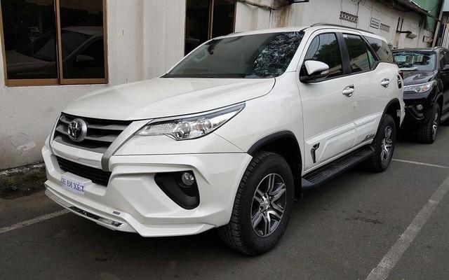 Bán chênh cả trăm triệu đồng nhưng hút hết người mua của đối thủ - Chuyện chỉ Toyota Fortuner làm được tại Việt Nam - Ảnh 2.