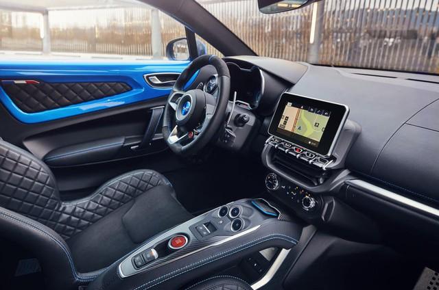 Xe hiệu suất cao của năm 2018 không phải Pagani Huayra hay Bugatti Chiron mà là mẫu xe khó tin này - Ảnh 5.