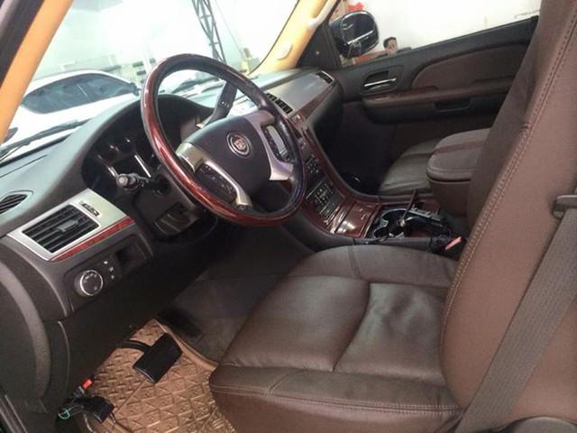 Khủng long Cadillac Escalade 10 năm tuổi rẻ như Honda CR-V mua mới - Ảnh 3.