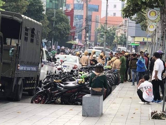 Hơn 100 chiếc Suzuki Raider bị cảnh sát tạm giữ khi tổ chức offline tại Bình Dương - Ảnh 4.