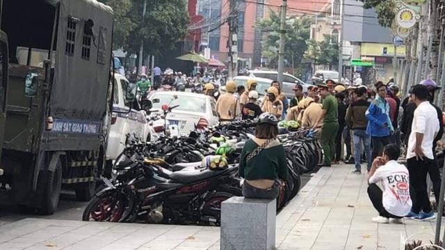 Hơn 100 chiếc Suzuki Raider bị cảnh sát tạm giữ khi tổ chức offline tại Bình Dương