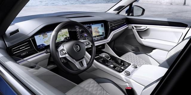 HOT: SUV 5 chỗ Volkswagen Touareg 2019 chung khung gầm Lamborghini Urus đã về Việt Nam, sẵn sàng ra mắt - Ảnh 2.