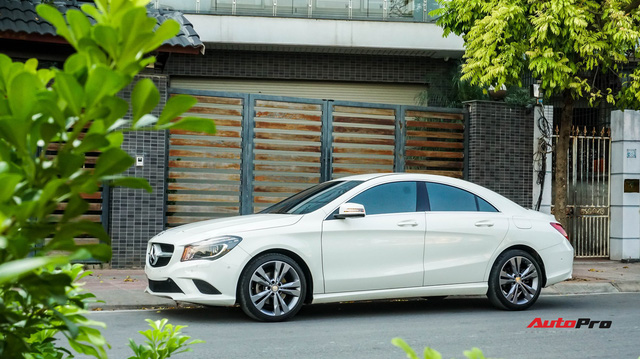 Mercedes-Benz CLA 200 bán lại rẻ như Toyota Altis mua mới