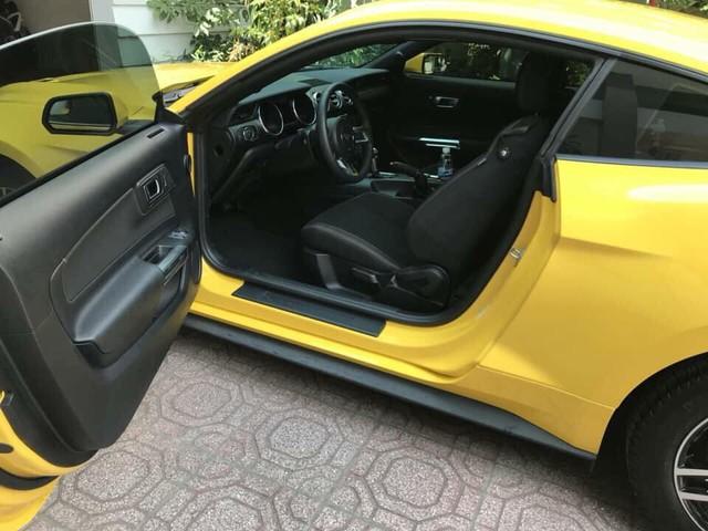 Đại gia Việt chán Ford Mustang 2018 chỉ sau 1.700km, bán lại với giá như mới - Ảnh 2.