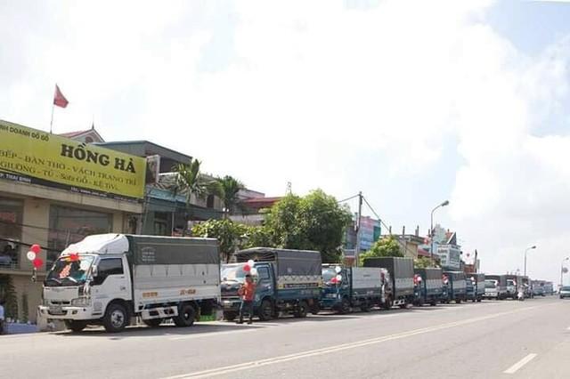 Bất ngờ với màn rước dâu bằng xe tải của một chú rể ở Thái Bình - Ảnh 1.