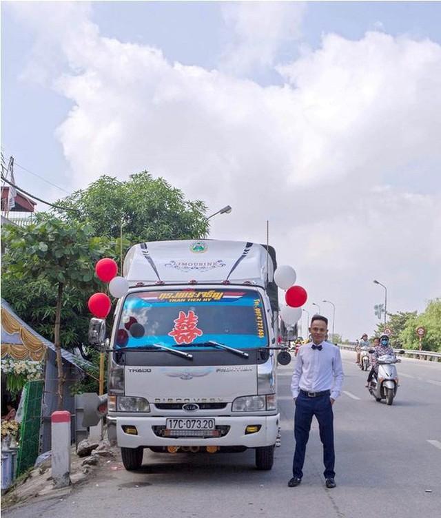 Bất ngờ với màn rước dâu bằng xe tải của một chú rể ở Thái Bình - Ảnh 2.