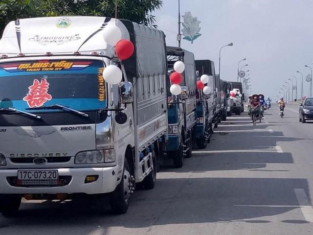 Bất ngờ với màn rước dâu bằng xe tải của một chú rể ở Thái Bình - Ảnh 4.