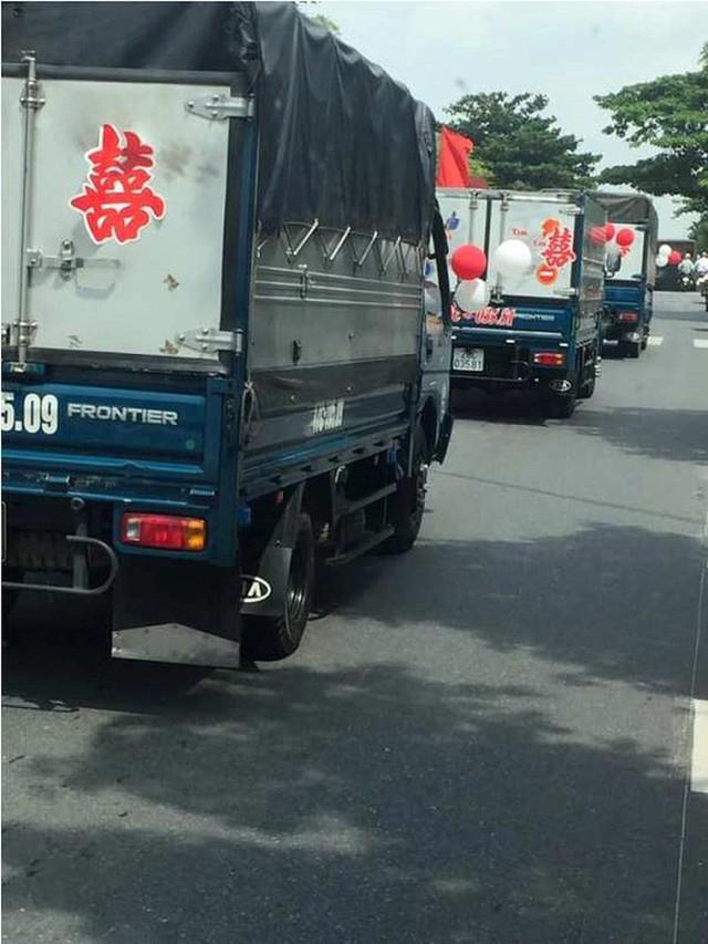 Bất ngờ với màn rước dâu bằng xe tải của một chú rể ở Thái Bình - Ảnh 5.