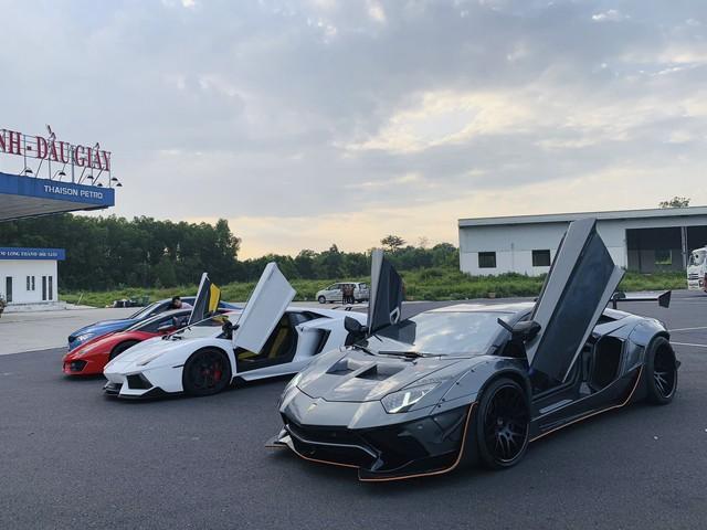 Dàn siêu xe của đại gia Sài Gòn đổ bộ lên Đà Lạt, tiền trạm cho Car & Passion 2019 - Ảnh 2.