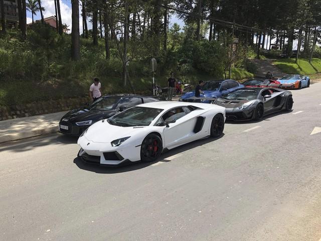 Dàn siêu xe của đại gia Sài Gòn đổ bộ lên Đà Lạt, tiền trạm cho Car & Passion 2019 - Ảnh 7.