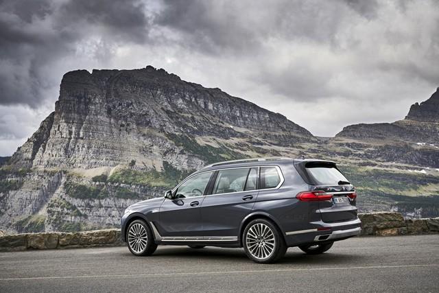 Ra mắt BMW X7 2019: Lớn như Cadillac Escalade, sang như Rolls-Royce, tham vọng lấn át Mercedes GLS - Ảnh 10.
