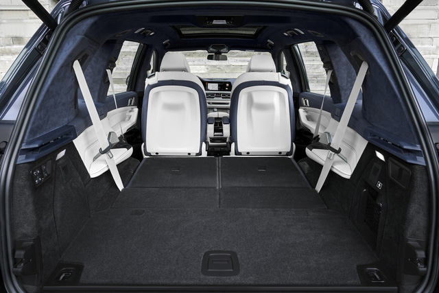 Ra mắt BMW X7 2019: Lớn như Cadillac Escalade, sang như Rolls-Royce, tham vọng lấn át Mercedes GLS - Ảnh 22.