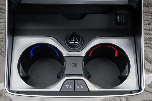 Ra mắt BMW X7 2019: Lớn như Cadillac Escalade, sang như Rolls-Royce, tham vọng lấn át Mercedes GLS - Ảnh 17.