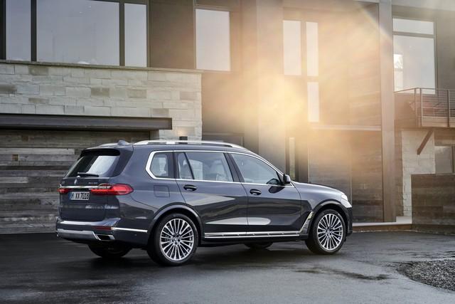 Ra mắt BMW X7 2019: Lớn như Cadillac Escalade, sang như Rolls-Royce, tham vọng lấn át Mercedes GLS - Ảnh 7.
