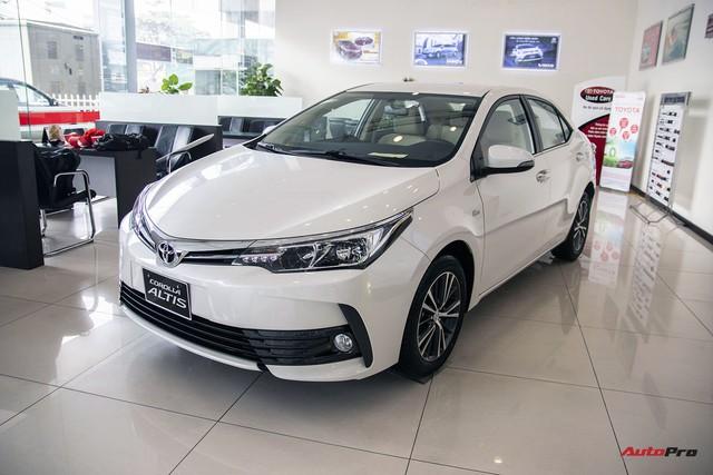 Bước chuyển mình của Toyota Corolla Altis với phiên bản 2018 - Ảnh 1.