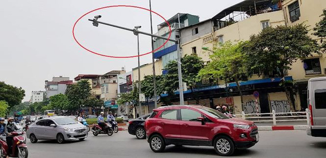 Cận cảnh rừng camera khó dùng phạt nguội tại Hà Nội - Ảnh 3.
