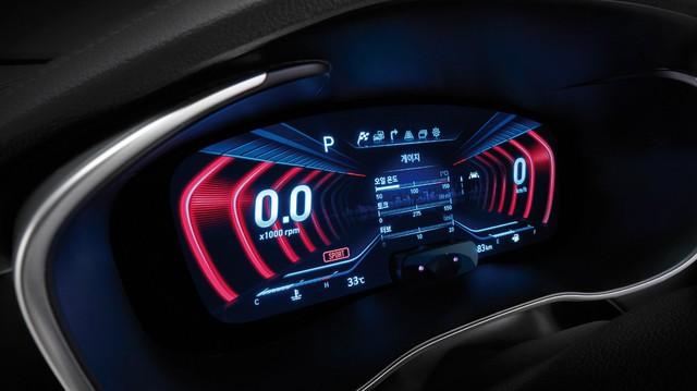 Genesis G70 dùng bảng đồng hồ kỹ thuật số 3D, đi trước C-Class và 3-Series