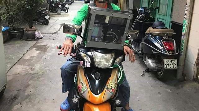 Góc sáng tạo: Bác tài xế Grab gắn bộ phát sóng wifi lên đầu xe để khách thoải mái dùng internet miễn phí