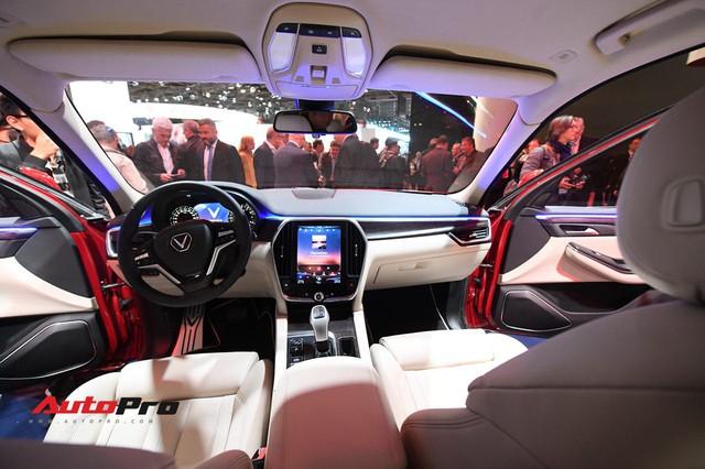 Cận cảnh nội thất SUV VinFast LUX SA2.0: Linh hồn Việt Nam lồng trong thiết kế châu Âu - Ảnh 5.