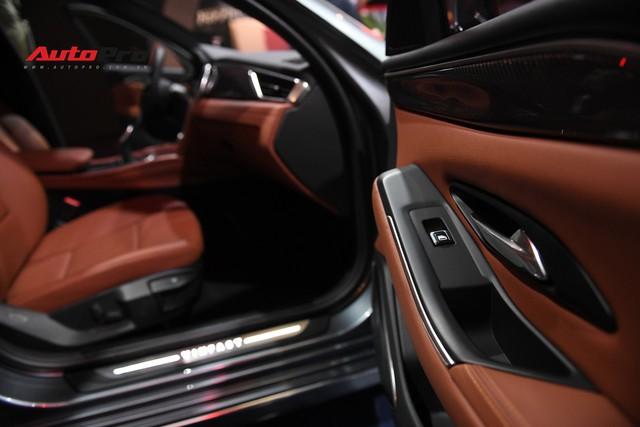 Chùm ảnh nội thất sedan VinFast LUX A2.0: Sang trọng và hiện đại hệt xe châu Âu - Ảnh 2.