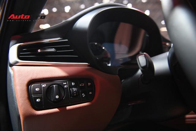 Chùm ảnh nội thất sedan VinFast LUX A2.0: Sang trọng và hiện đại hệt xe châu Âu - Ảnh 5.