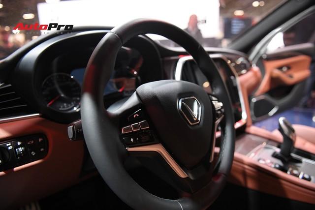 Chùm ảnh nội thất sedan VinFast LUX A2.0: Sang trọng và hiện đại hệt xe châu Âu - Ảnh 4.