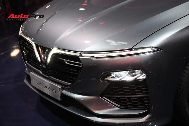 HOT: Chi tiết ngoại thất sedan VinFast LUX A2.0 vừa ra mắt hoành tráng tại Paris Motor Show 2018 - Ảnh 3.