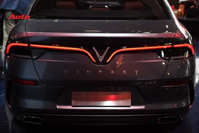 HOT: Chi tiết ngoại thất sedan VinFast LUX A2.0 vừa ra mắt hoành tráng tại Paris Motor Show 2018 - Ảnh 6.