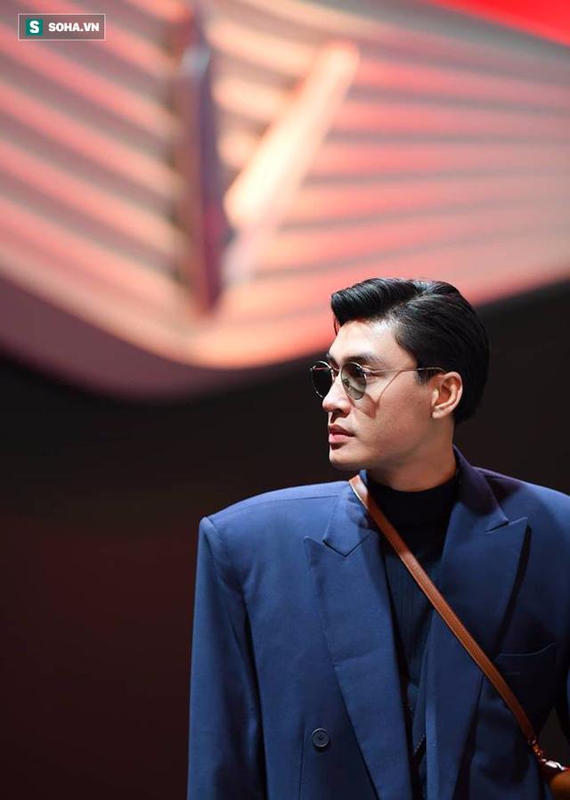 Hoàng Thùy, Quang Đại háo hức trước giờ G ở Paris Motor Show - Ảnh 6.
