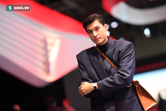 Hoàng Thùy, Quang Đại háo hức trước giờ G ở Paris Motor Show - Ảnh 9.